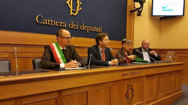 Interrogazione parlamentare a seguito di esposto fsi usae for Camera dei deputati rassegna